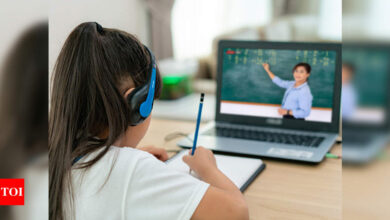 Photo of Online learning doesn't improve student sleep habits, says study