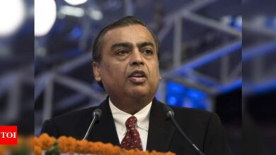 Photo of Mukesh Ambani throws a $10 billion clean energy challenge at rivals